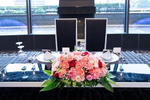 結婚式,装花,メインテーブル,披露宴,ピンク